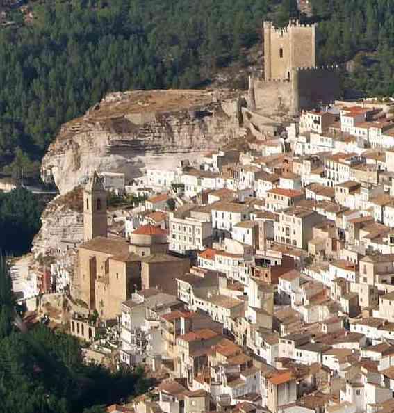 Alcal del j car uno de los pueblos m s bonitos sensaci n rural - Casas alcala del jucar ...