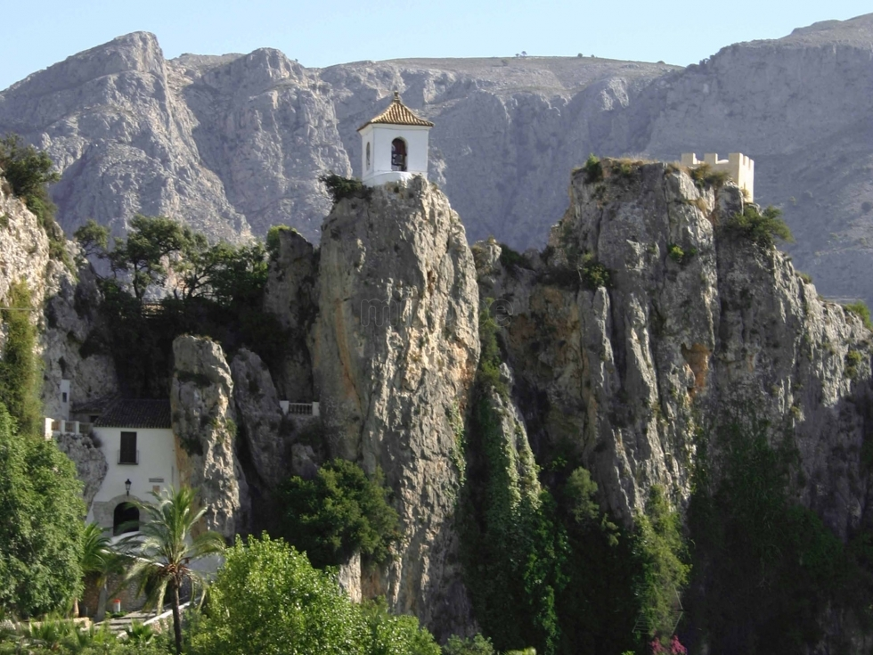 Hoy visitamos el castell de guadalest alicante sensaci n rural - Casa rural guadalest ...