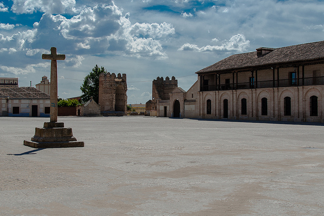 madrigal altas torres plaza