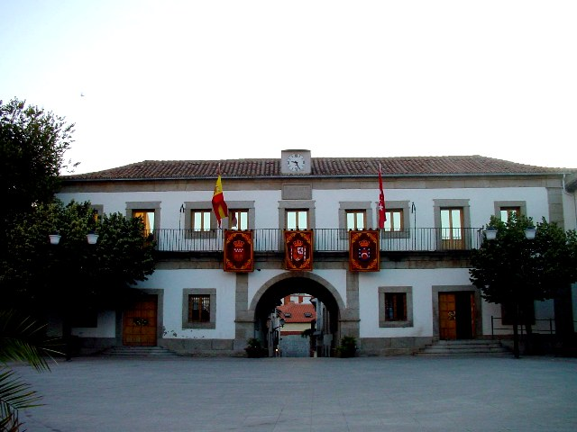 ayuntamiento san martin valdeiglesias