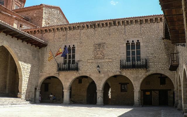 cantavieja plaza mayor
