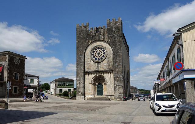 portomarin plaza