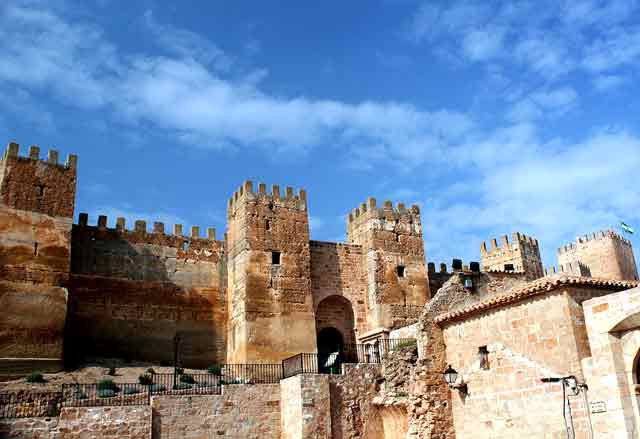 Castillo de Baños de la Encina, o Castillo de Burgalimar; en Jaén