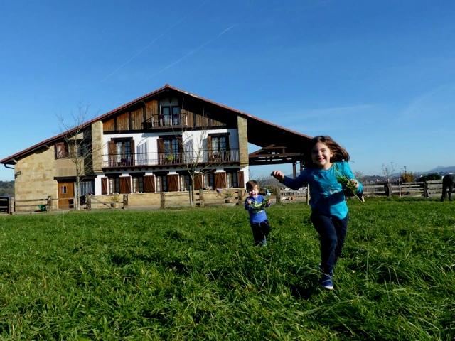 16 casas rurales con granja para ir con ni os - Agroturismo zelai eder ...