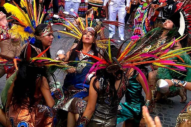 grupo precolombino en el festival folklorico de jaca