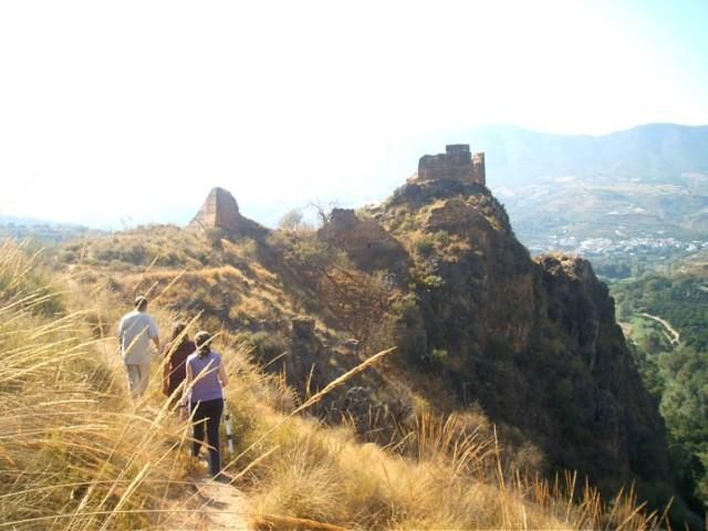 ruta castillo lojuela
