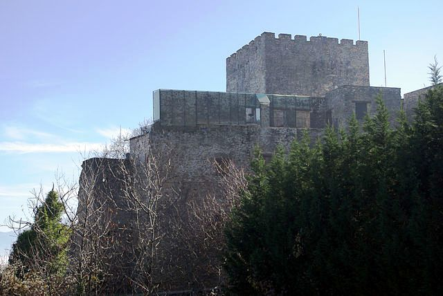 castillo corullon