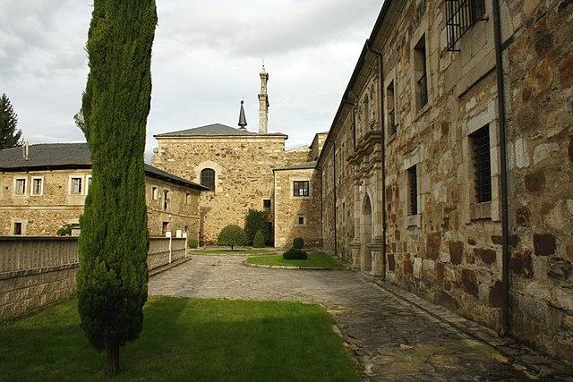 monasterio san miguel dueñas