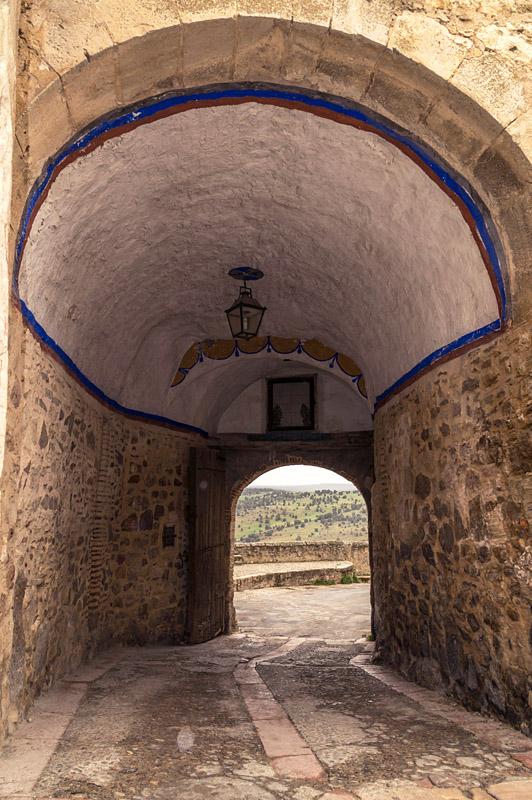 puerta villa pedraza