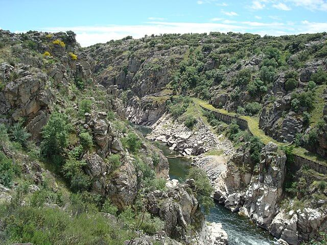 ruta senderismo cañones rio lozoya madrid