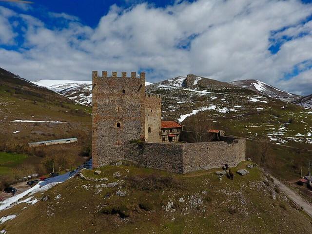 castillos-de-cantabria-argueso