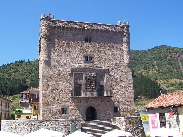 castillos-de-cantabria-torre-del-infantado-potes