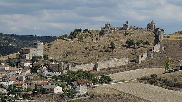 murallas castillo fuetnidueña segovia