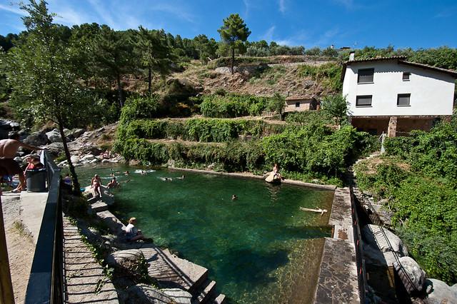 piscinas-naturales-aviola-charco-el-risquillo