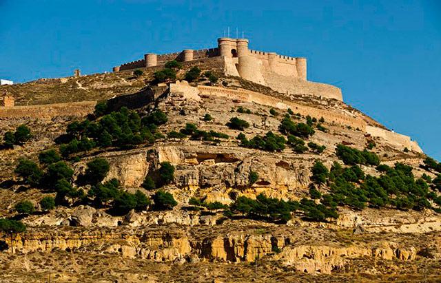 castillos-de-albacete-chinchilla-de-montearagon