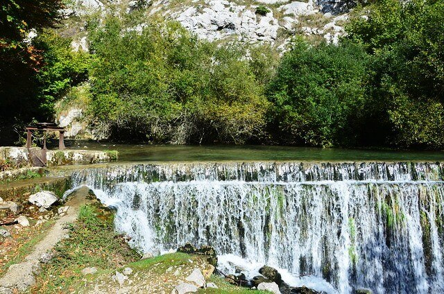 ruta nacedero rio zirauntza