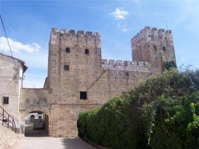 castillo-de-deza
