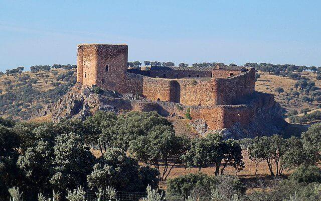 castillo-de-montizon