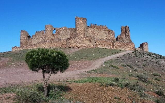 castillo-de-almonacid