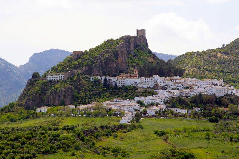 villa-entreolivos-zahara-de-la-sierra