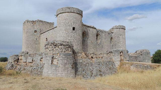 castillo-de-pioz