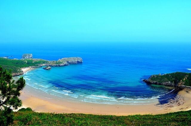 playa nudista torimbia