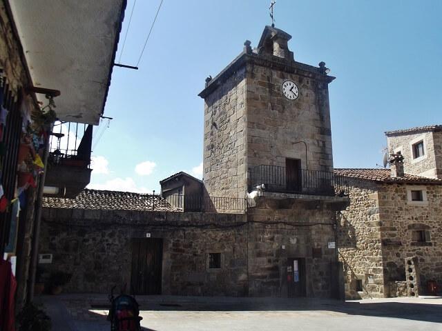 torre reloj piedralaves