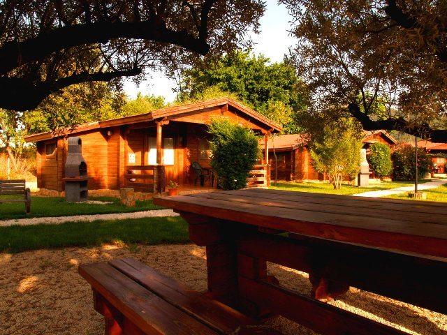 entre olivos casas rurales madera