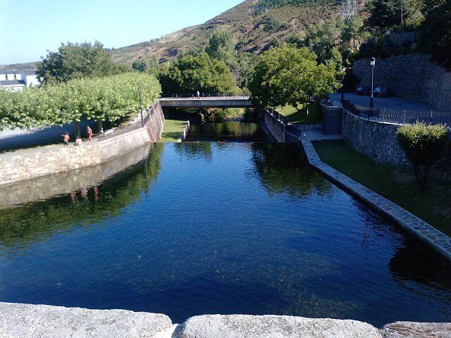 piscina fluvial molinaseca