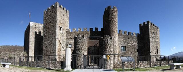 castillo montemayor rio