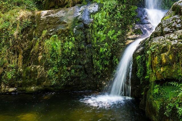 piscina natural cascadas oneta