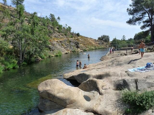 piscinas fluviales extremadura carrecia